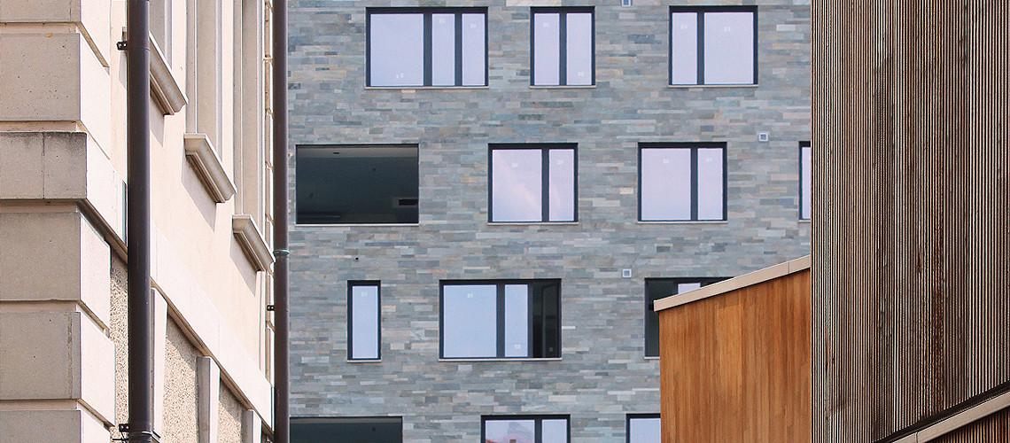 Nell'edificio sono presenti aree comuni con servizi riservati agli ospiti come garage, manager, wellness area, biciclette, sauna e bagno turco. bekkloiu.